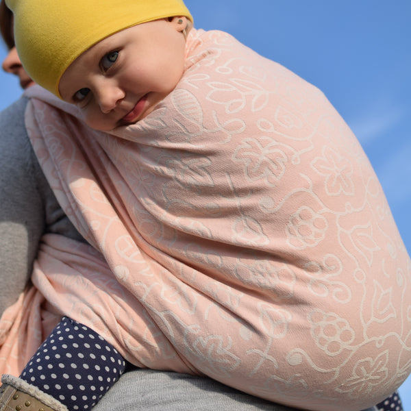 Sestrice Folk Cotton Candy sky action photo babywearing