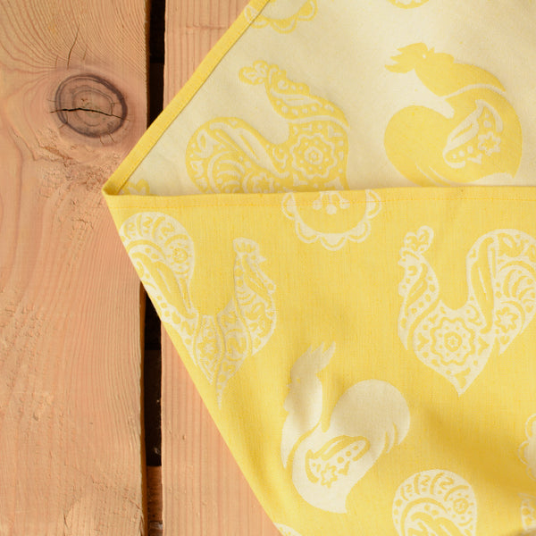 linen babywrap roosters detail
