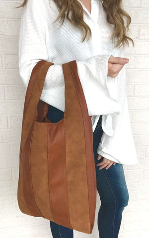 EMILI LEATHER MESSENGER BAG