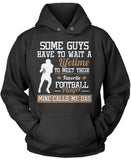 Favorite Football Player - Mine Calls Me Dad Pullover Hoodie Sweatshirt