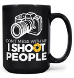 Photographer - I Shoot People - Mug