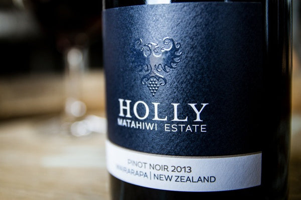 New Zealand Holly Pinot Noir buy cheap in Singapore