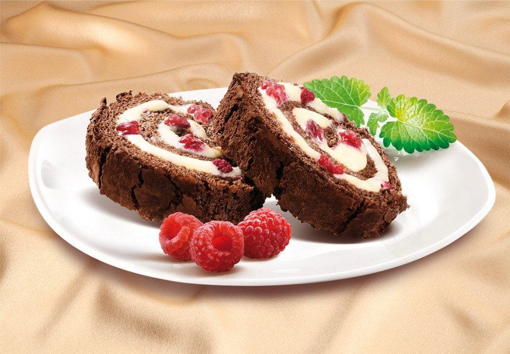 Chocolate Honey Roll with Raspberries - MARLENKA UK