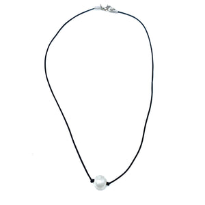 pearl necklace choker