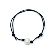 Load image into Gallery viewer, black leather simple single pearl adjustable anklet