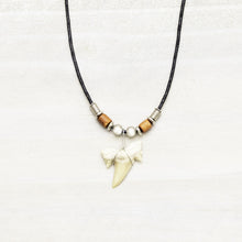Load image into Gallery viewer, Charming Shark Sharks Tooth Necklace