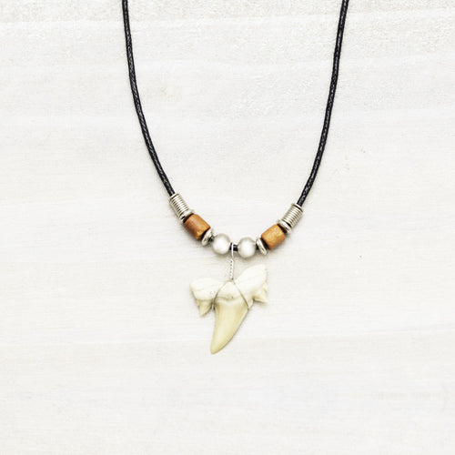 Charming Shark Sharks Tooth Necklace