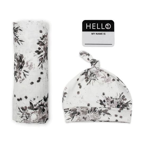 Lulujo -Hello World Blanket & Knotted Hat - Black Floral