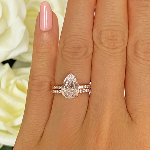 1.5 ctw Pear Halo Set