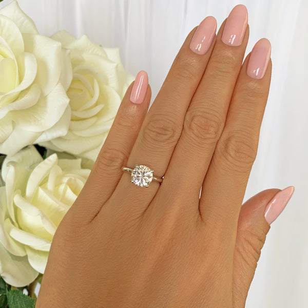 2 ct Classic V Style 4 Prong Solitaire Ring - 10k Solid White Gold, Sz 4-10