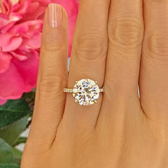 5.25 ctw Round Accented Ring - 10k Solid Yellow Gold
