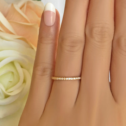 5 Stone Scalloped Band - Sz 4.5 or 8