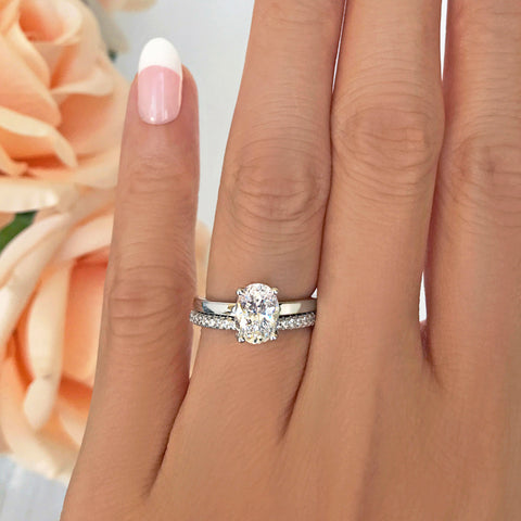 1.25 ctw Oval Accented Ring - 10k Solid White Gold