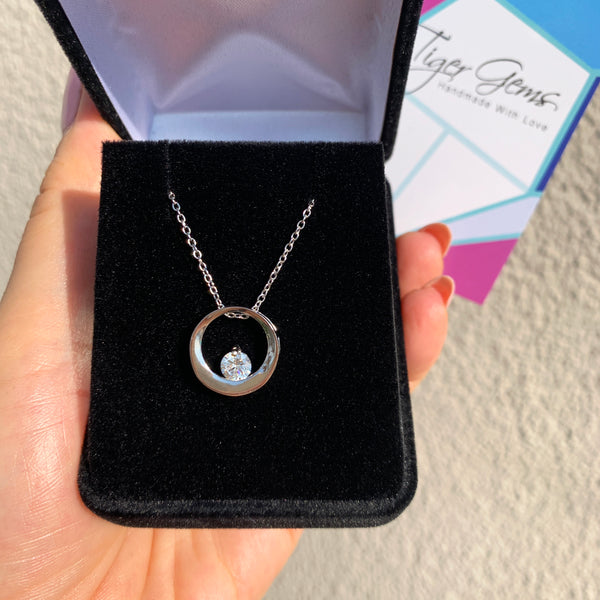 1/2 ct Floating Circle Necklace