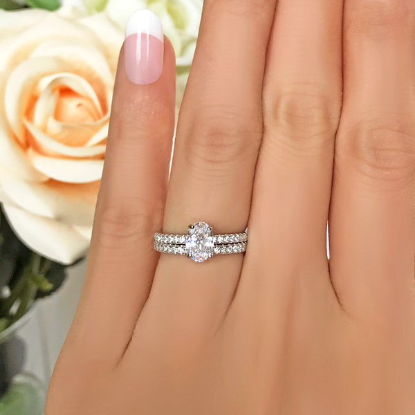 3/4 ctw Oval Accented Solitaire Set