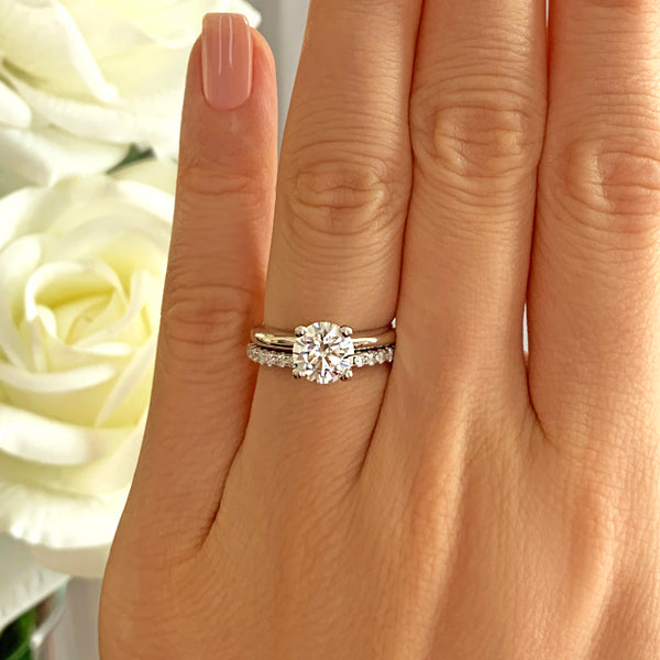 1.5 ct Classic V Style 4 Prong Half Eternity Solitaire Set