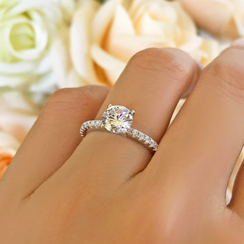 2.25 ctw Oval Halo Ring