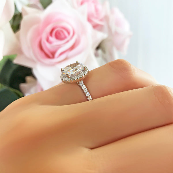 3.25 ctw Oval Halo Ring
