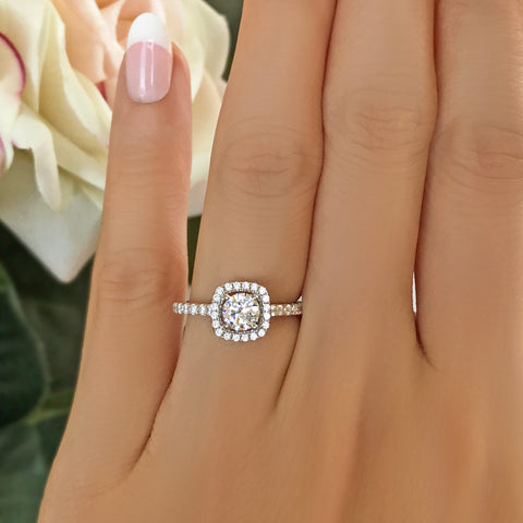 3.25 ctw Oval Accented Ring