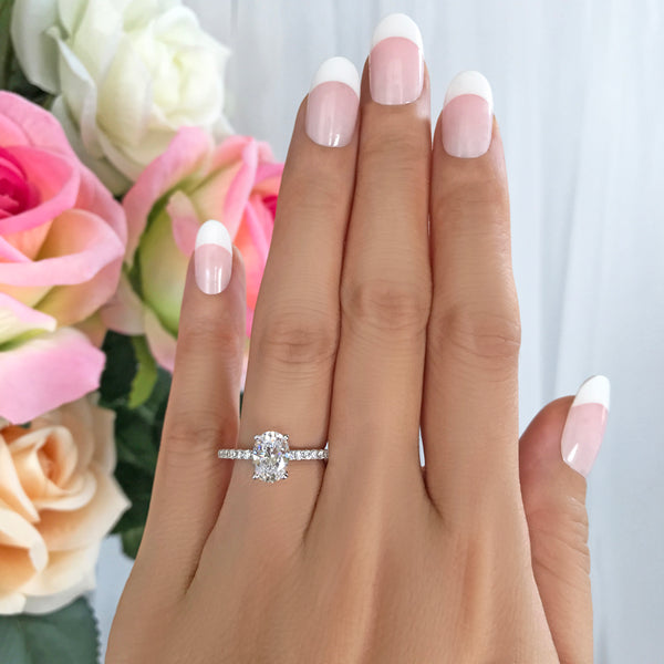 1.25 ctw Oval Accented Ring - 10k Solid White Gold, Sz 5 or 7