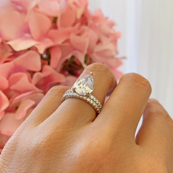 3.25 ctw Pear Accented Solitaire Set