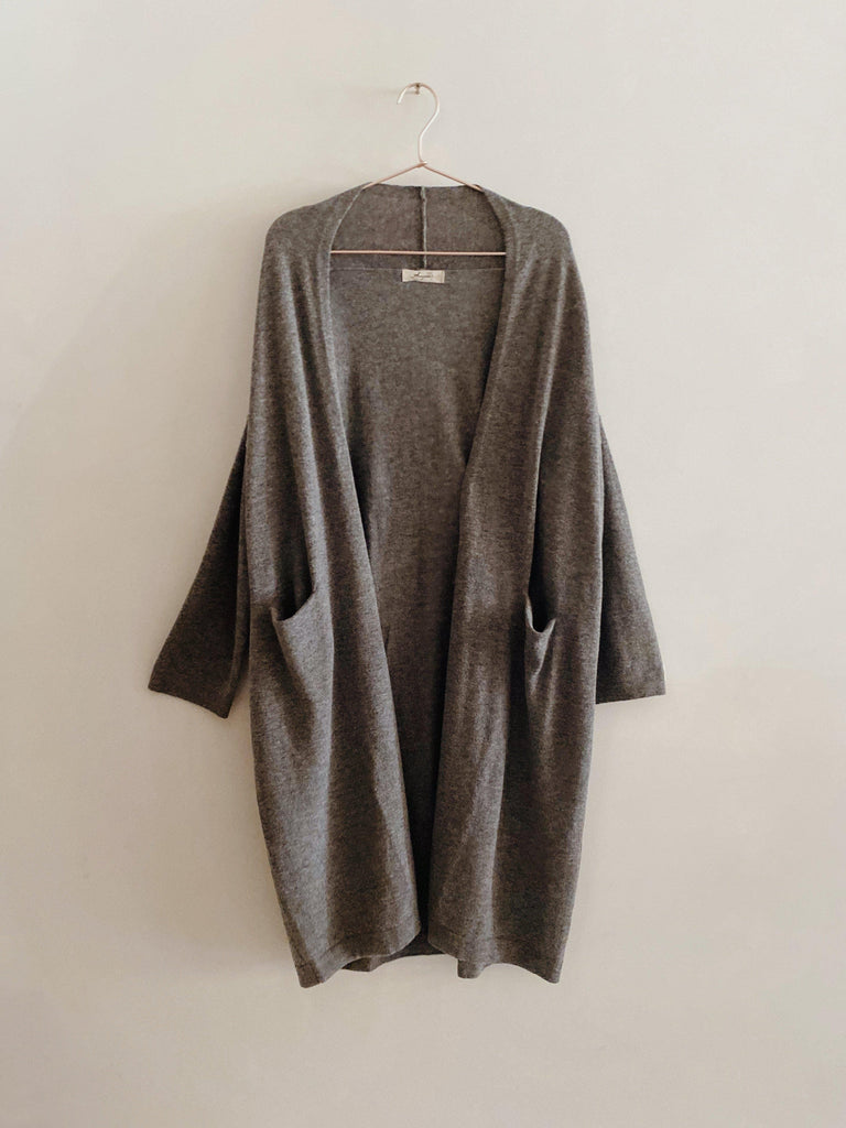 ichi antiquités wool cashmere cardigan in charcoal one size