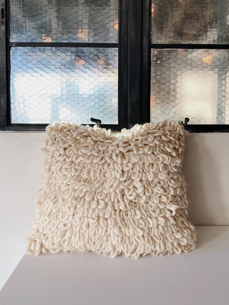 intiearth nube pillow in cloud
