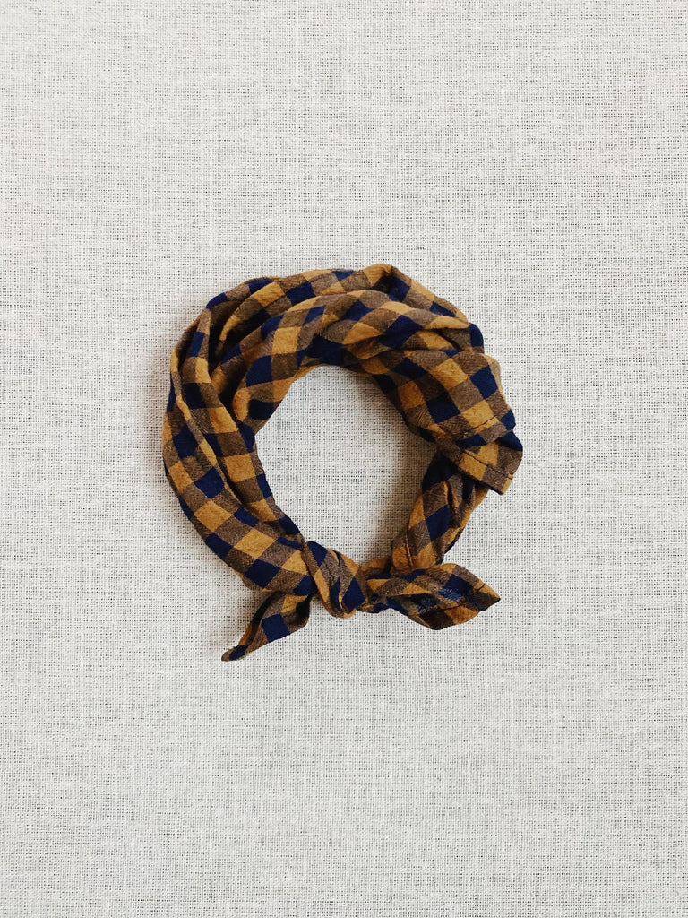 mabo kerchief in gold and navy crumple gingham