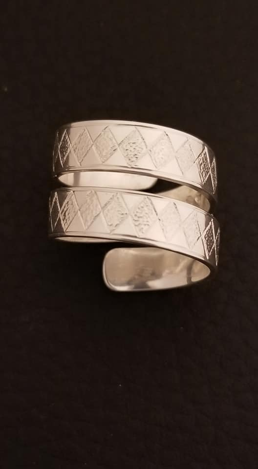 Ring - Maria Jordison; Silver Double wrap, Beaver tail (1)