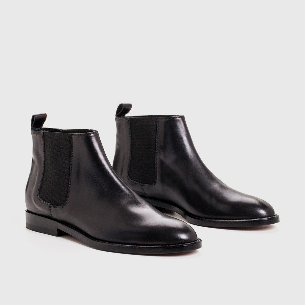 jenni kayne canyon chelsea boot in black leather. Black Bedroom Furniture Sets. Home Design Ideas