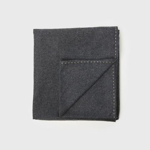 Suo Cashmere Throw - Charcoal/Taupe
