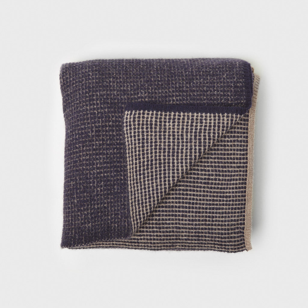 Tundra Cashmere Throw - Navy/Taupe