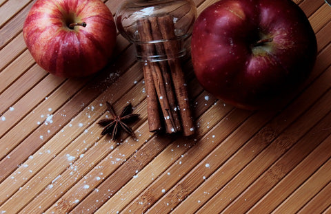 Apple & Spiced Cinnamon Wickless Jar - Candles Sniffs & Gifts
