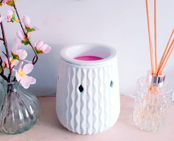 White Ripple Ceramic Electric Wax Melt Burner - Candles Sniffs & Gifts