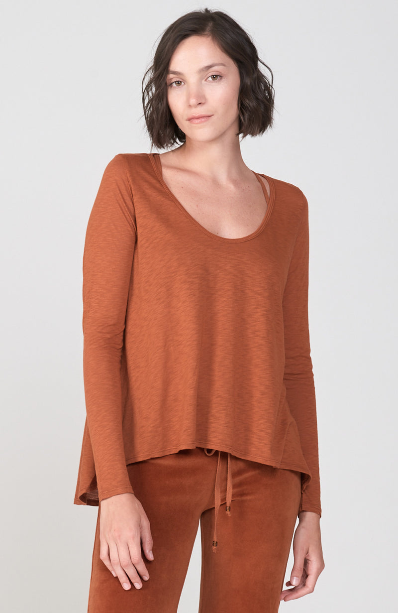 Motion Tee in Cognac