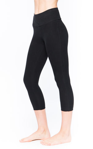 Sueded Pose Capri in Signature Black