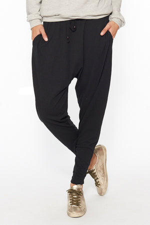 Retreat Pant in Black