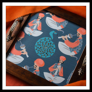 handmade wooden tray with snake charmers and serpents print. Ideal fro gifting and home use.
