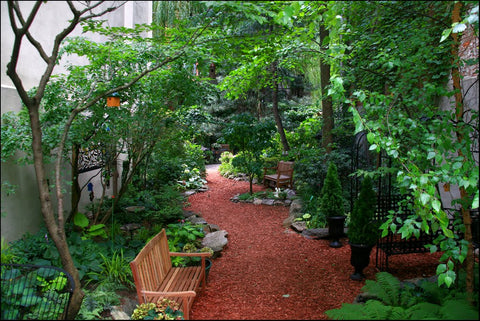Creative Little Garden.  Photo via LuciaM on Panoramio.