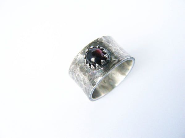 Dragon's Eye// Exquisite Garnet Designer Ring- Size 5