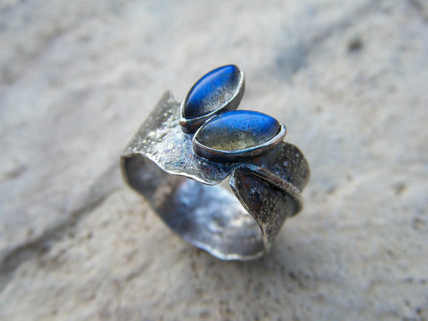 *NEW* Artisanal Fantasy Style Elvish Ring // Labradorite Silver Ring// Size 8.25