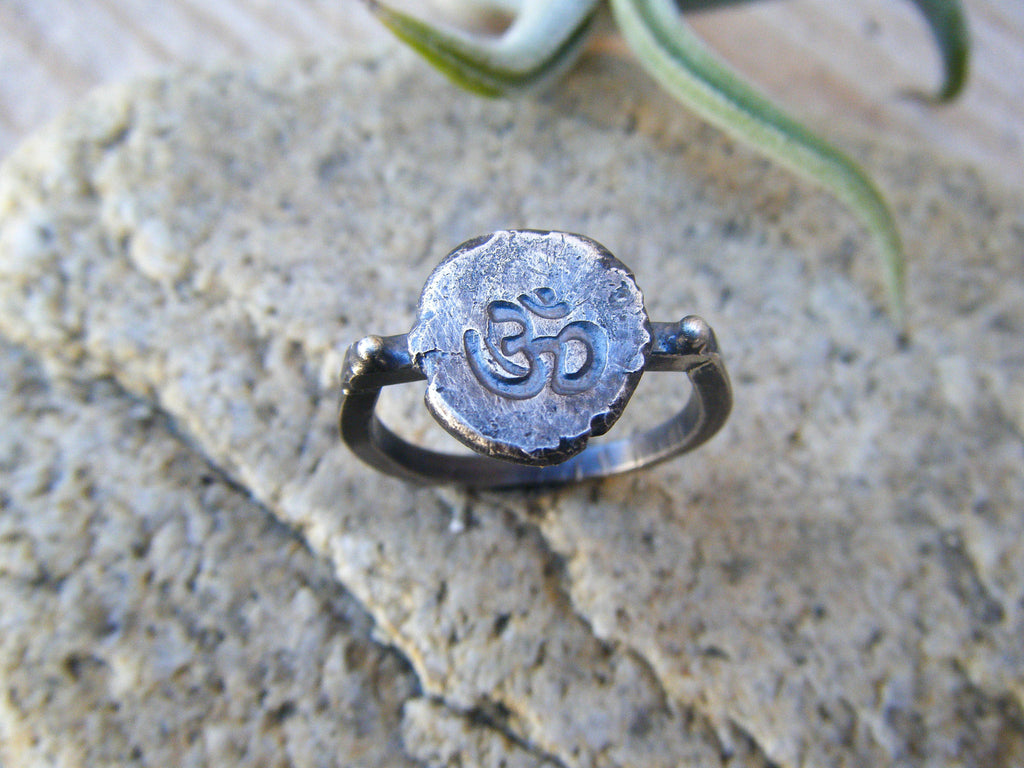 Om Sterling Silver Ring// Size 9
