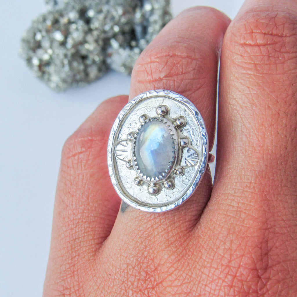 RAINBOW TEMPLE RING + MOONSTONE // Size 7