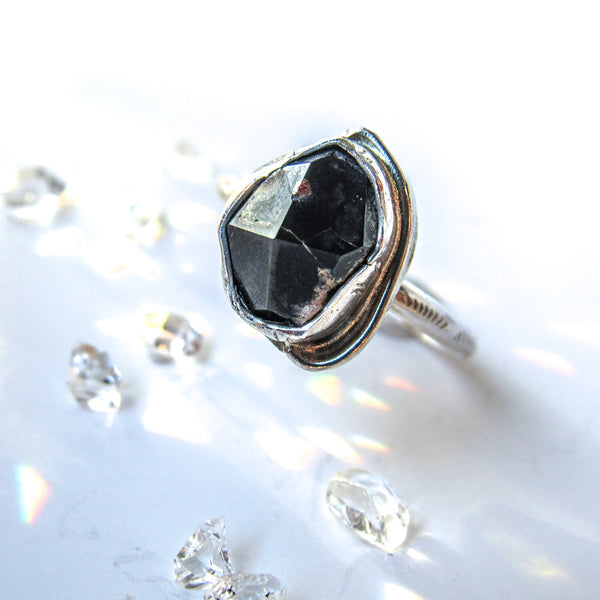 ELEMENTS RING + Raw Deep Garnet // Size 9