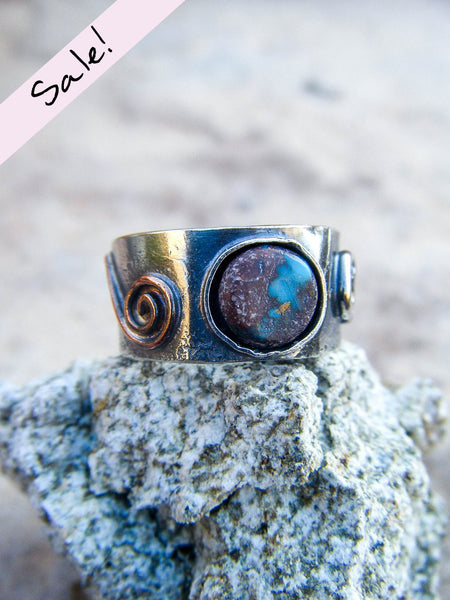 SALE! Southwestern Turquoise Spiral Ring// Size 6.25