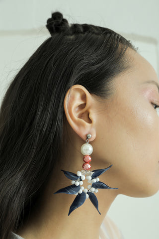 Anyelir Earrings - House of Jealouxy