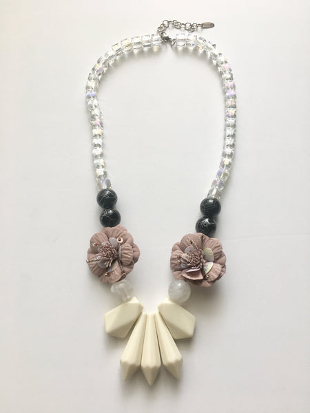 Camellias Necklace