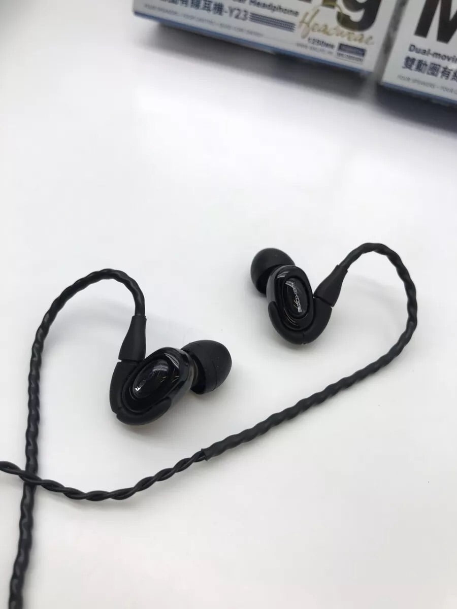 Y23 Dual moving coil in ear headphone