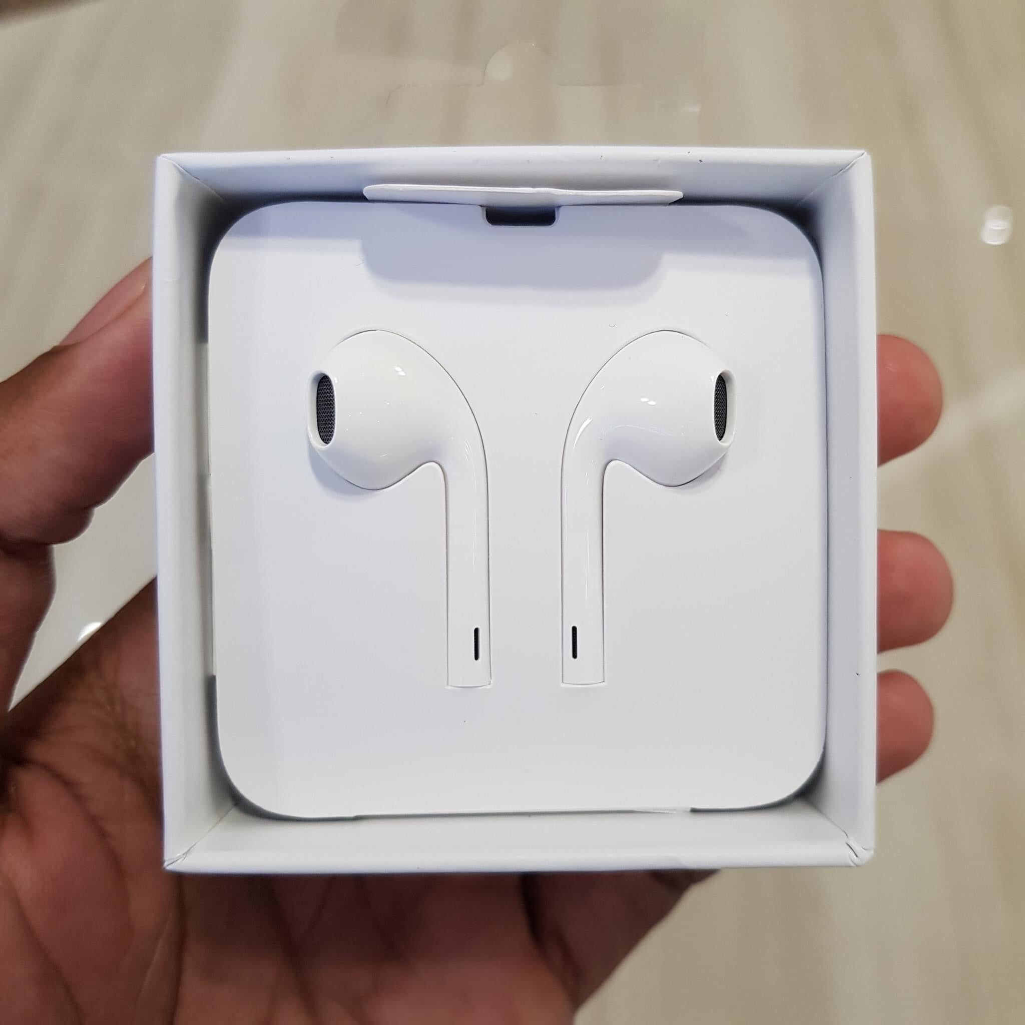 i768 Apple Lightning EarPods Original