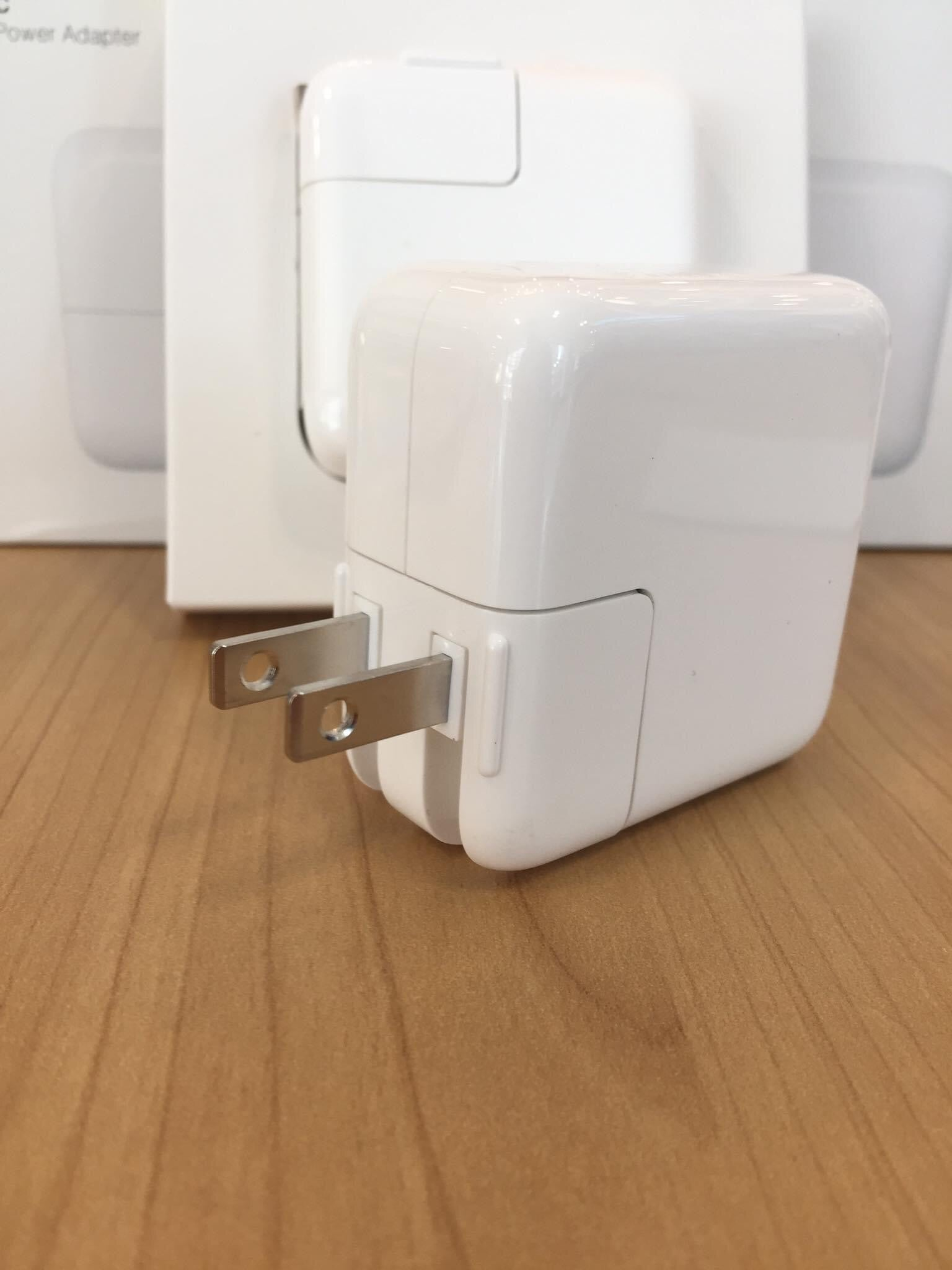 i1108 Apple Original 18W USB-C Power Adaptor